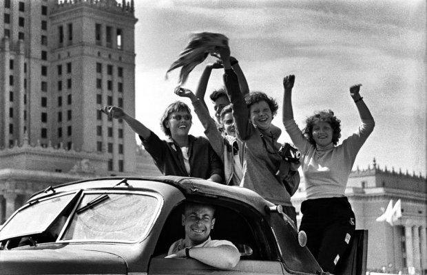 Warszawa-sierpien-1955-V-Swiatowy-Festiwal-Mlodz